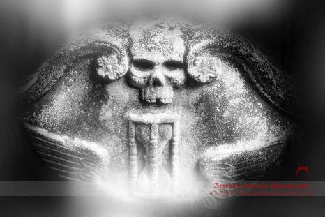 Skull Hourglass Ghost