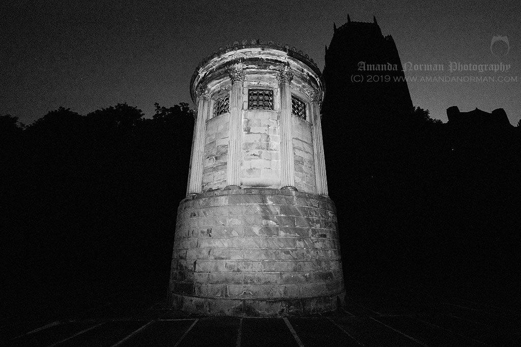 Photograph of Huskisson's memorial taken at night