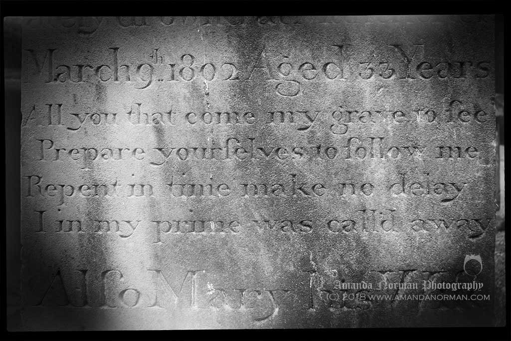 Memento Mori verse on a headstone